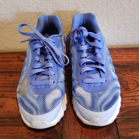 on sale a9868 423e1 Nike Air Zoom Winflo 4 Running Shoes J26
